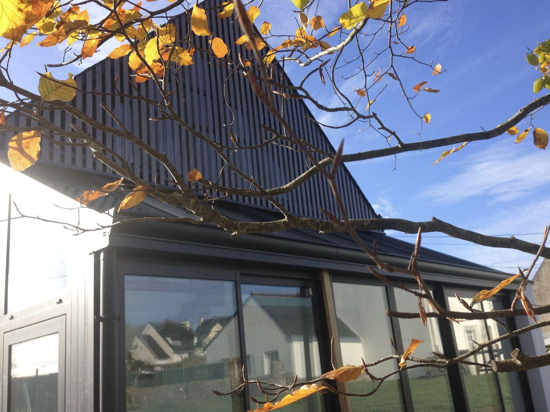 Atelier-de-bord-de-mer-à-Sarzeau-maison-toitures-ardoises-Architecte-Vannes-3