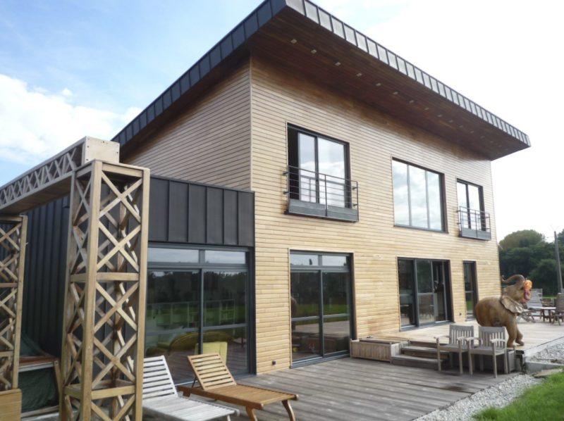 Construction-Maison-Monopente-en-bois-à-Plescop-Architecte-Vannes-1-800x598