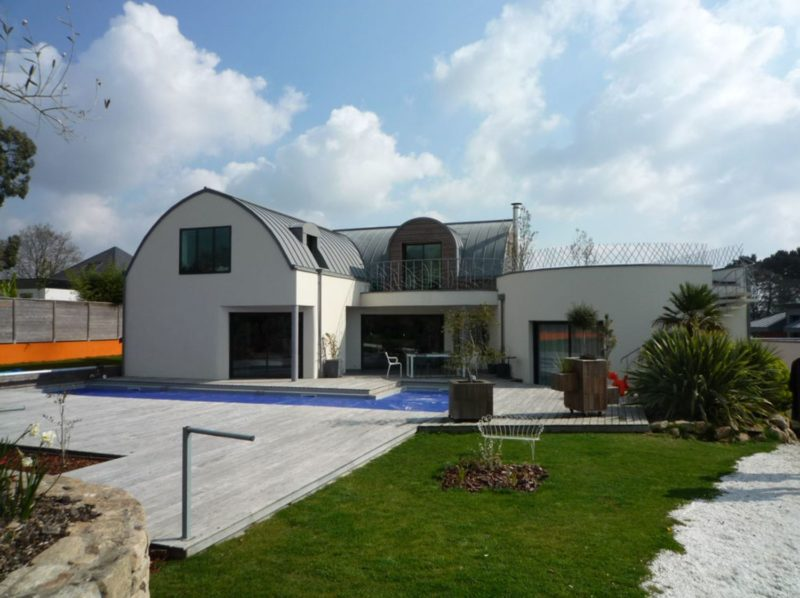 Villa-contemporaine-toiture-zinc-Architecte-à-Vannes-13-800x598