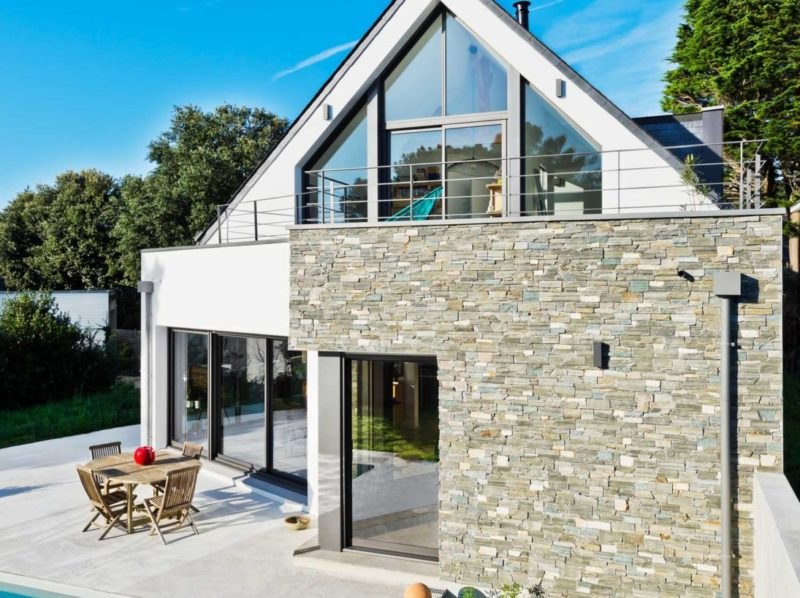 Villa-contemporaine_ardoises_golfe-du-Morbihan-800x598