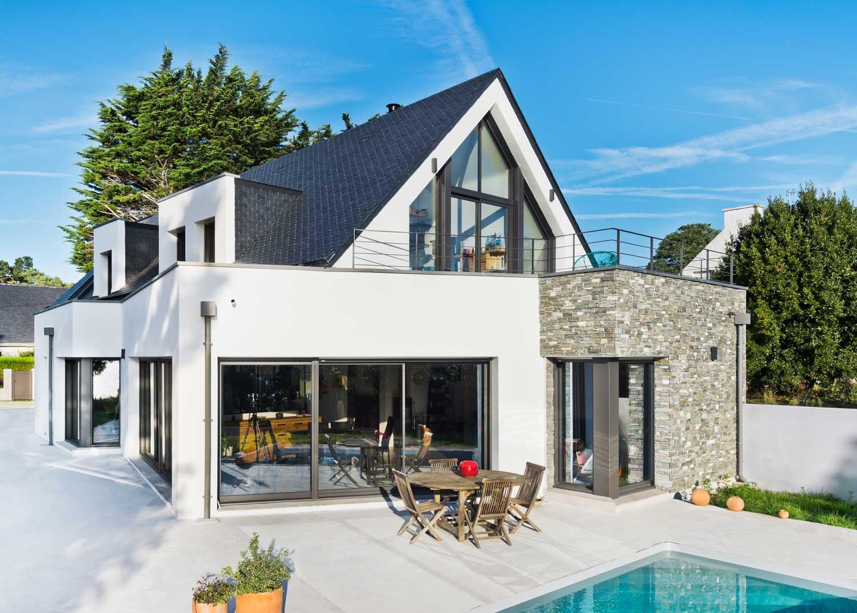 Villa-contemporaine_ardoises_golfe-du-Morbihan_terrasse-piscine